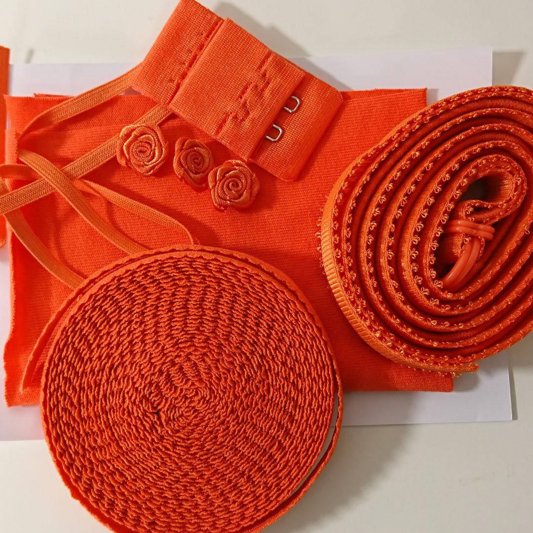 Shop   Kurzwarenpaket Dessousset Orange/Gr. M, € 12,-