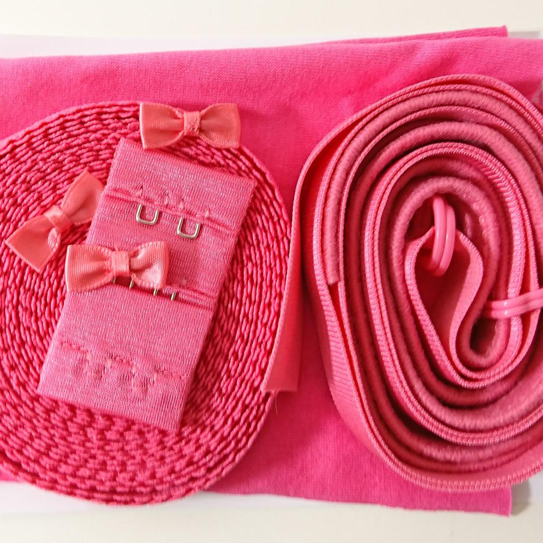 Shop   Kurzwarenpaket Dessousset Pink/Gr. M, € 12,-